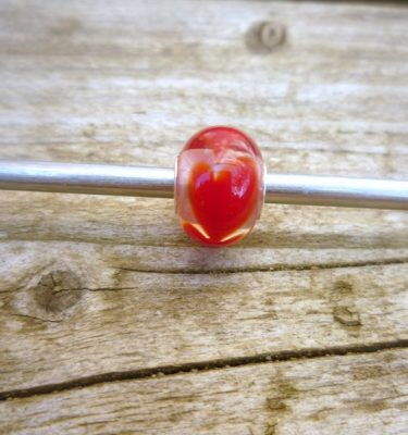 perle-verre-coeurs-rouge-verre-cristal-charms-addict